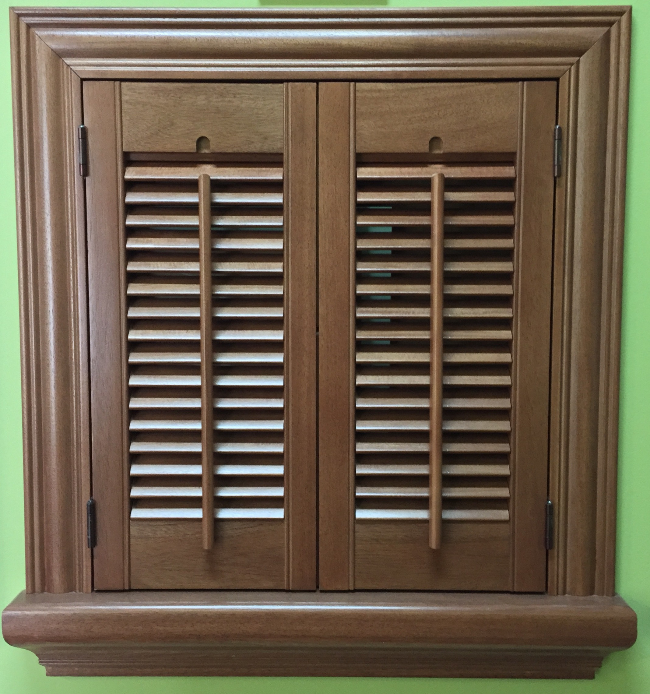 Colonial traditional interior shutters cleveland shutters for Interieur shutters