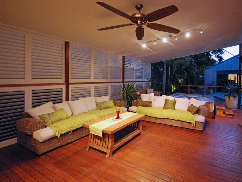 Weatherwell Elite Aluminum Shutter - Exterior Porch