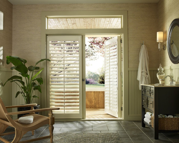 Palm Beach Palmetto Bathroom Door